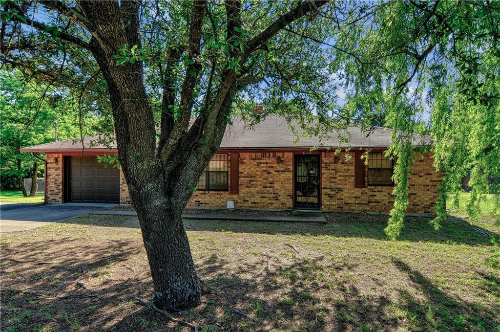 tom bean singles & personals Get the scoop on the 10 single family homes for sale in tom bean, tx learn more about local market trends & nearby amenities at realtorcom.